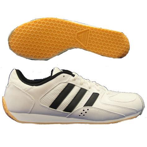 fencing shoes adidas en garde fencing shoes