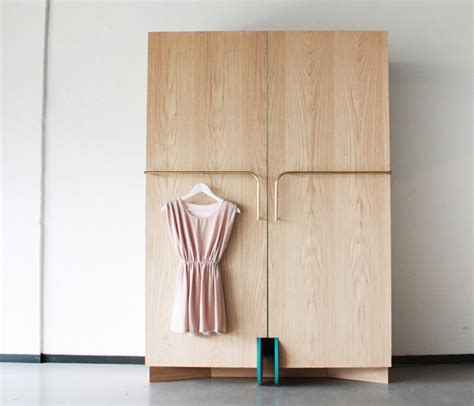 Closet Fitters by Smart Walk In Closet As A Mini Fitting Room