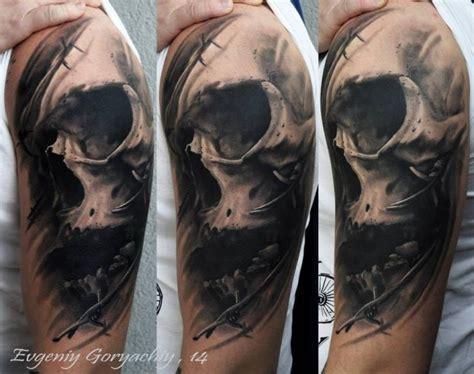 tatuagem ombro caveira por redberry tattoo