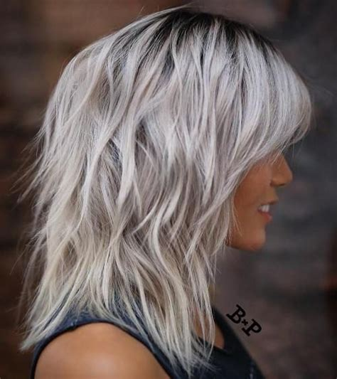 shagy short with silver highlights haistyles 25 best ideas about medium shag hairstyles on pinterest