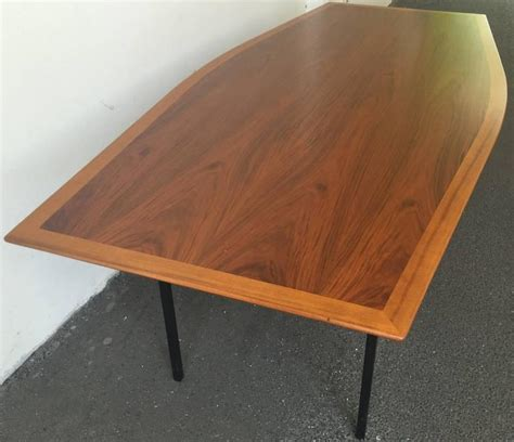 Boat Dining Table And Chairs Boat Shaped Dining Table By Florence Knoll At 1stdibs