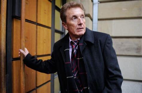 möblierte wohnung esslingen der ehemalige schiedsrichter manfred amerell wurde tot in