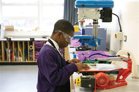 pgce design and technology edgehill secondary education design and technology pgce