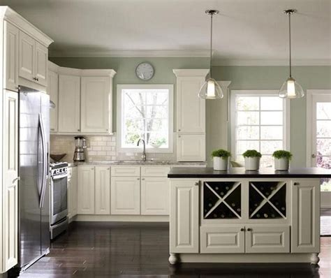 kitchen backsplash ideas with off white cabinets best 20 off white cabinets ideas on off white