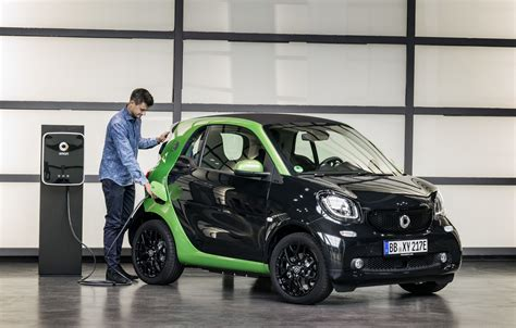 smart fortwo electric drive details released