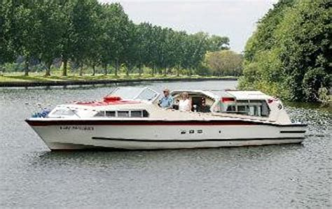 kris cruisers boat hire lady alexandra picture of kris cruisers datchet