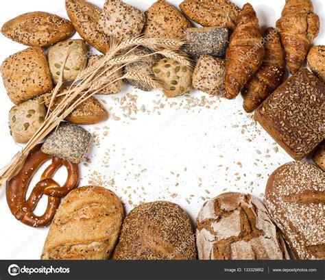 diversi tipi di pane cornice di vari tipi di pane e panini sopra la vista
