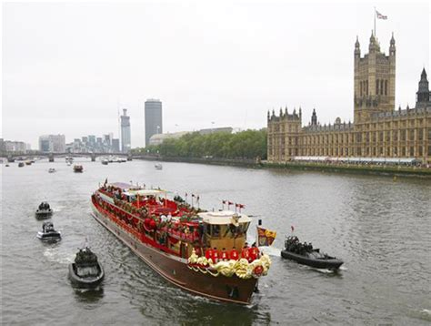 river thames queen boats take to thames for queen s jubilee centralmaine com