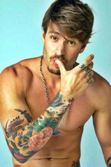 tatuaggi fiori maschili tatuaggi ecco le ultimissime tendenze 2014