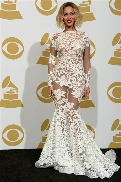 Beyonce Wardrobe Grammys by Who Wore The Lace Dress Better Beyonce Or Toni Tones