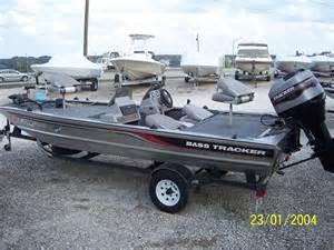 1997 tracker pro team 18 bass boat