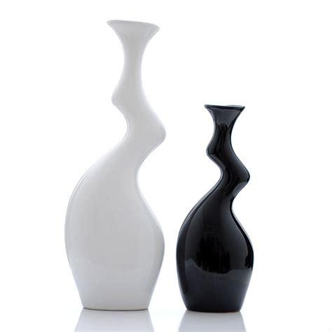 vasi bianchi vasi ceramica moderni bianchi e decorati arredamento moderno