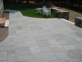 Limestone Patio Pavers Like The Neatness And Shapes Of The Slabs Pavers Rectangle And Square Shapes Together