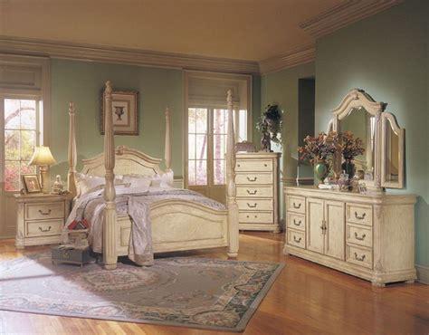 modern vintage bedroom furniture best 25 antique white furniture ideas on antique white paints distressed bedroom
