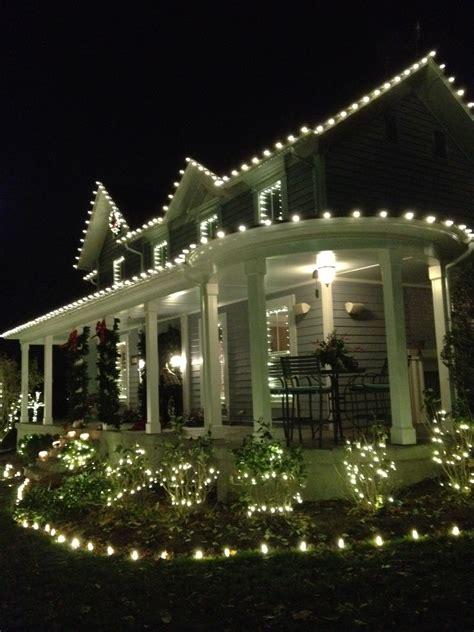 Professional Christmas Light Installation Light Hanging Service