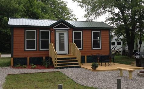 Deluxe Cabins and Lodges   Traverse City KOA   Traverse