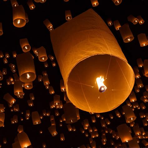 candele cinesi volanti sky kongming wishing lanterns flying balloons light
