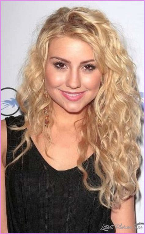 curly hairstyles for long hair with layers curly layered haircuts round face latestfashiontips com