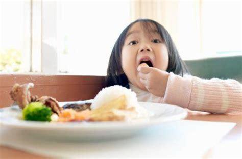 membuat anak lahap makan perhatikan porsi makan anak anda hidup sehat