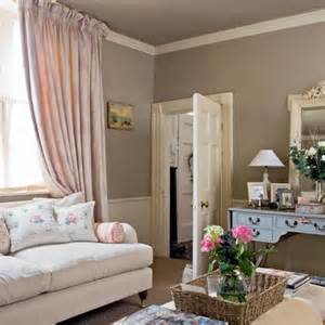 Cushions To Go With Brown Sofa Pink Traditional Living Room Living Room Ideas Sofa