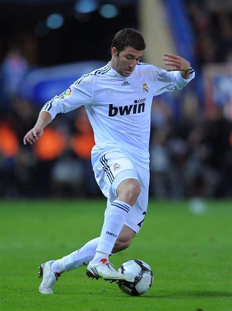 Real Madrid 09 gonzalo higuain photos photos atletico madrid v real madrid la liga zimbio