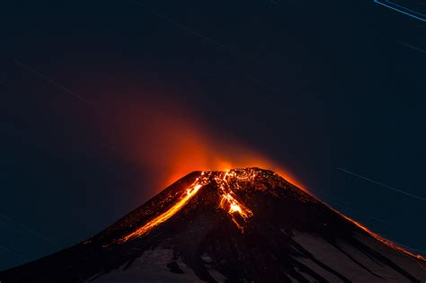 volcanoes geo mexico the geography of mexico stunning nighttime pictures of chilean volcano erupting