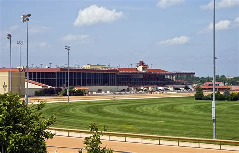 track wv casino at charles town races