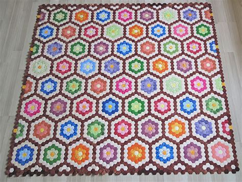Quick Quilting Tips   how to finish the edge of hexagon