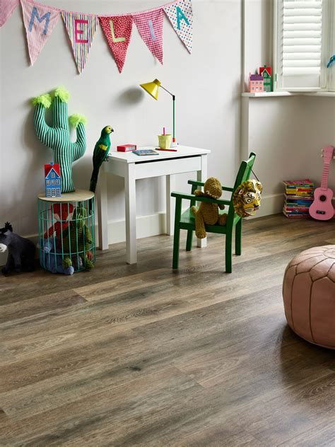 Hampton Oak: Beautifully designed LVT wood flooring from