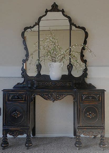 Painted Bedroom Vanity Ideas by 17 Best Ideas About Black Painted Furniture On