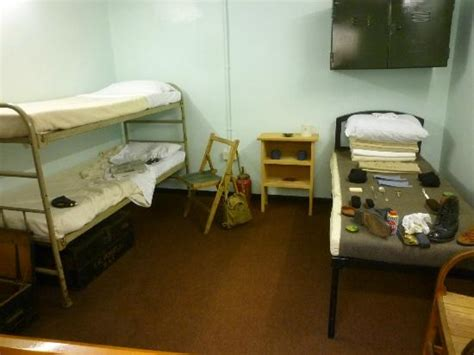 ww2 bedroom 1916 and 1940 bunks picture of raf scton heritage