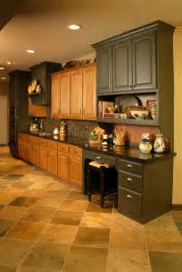 Kitchen Pictures With Oak Cabinets by Kitchen Remodel Using Existing Oak Cabinets Traditional