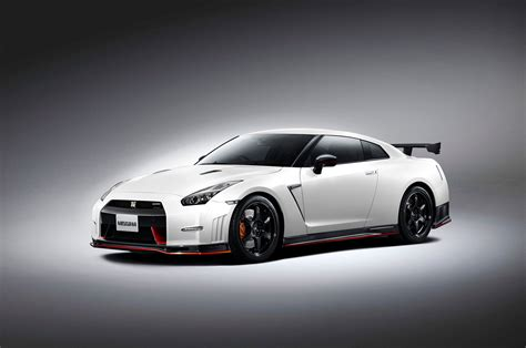 gtr nissan nismo 2015 nissan gt r nismo priced at 151 585 automobile