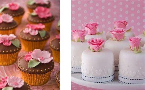 miniature cakes and wedding cake 60 miniature cakes plus a tiered wedding cakes or mini cakes the wedding community