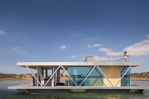 Solar Powered Floatwing Home In Portugal Generates A Year | solar powered floatwing home in portugal generates a year