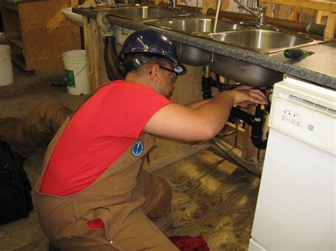 Plumbing Apprentice In Ontario by Plumbing A Day In The Construction Apprenticeship