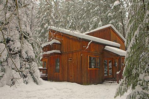 Pet Friendly Cabins Washington by Family Friendly Cabin Near Tacoma