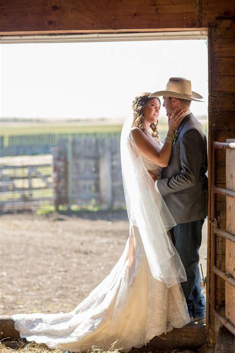 Western Style Barn Wedding   Rustic Wedding Chic