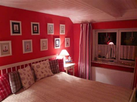 erotische ideen fürs schlafzimmer einrichten mit farben rote farbe energie und