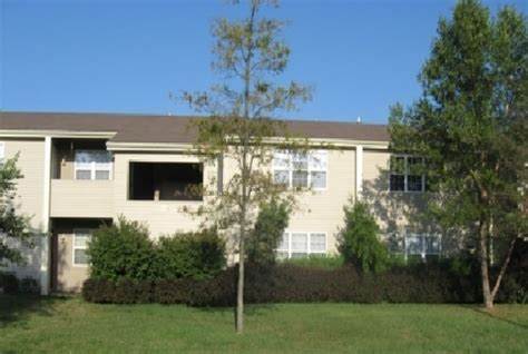 2 Bedroom Apartments For Rent In Owensboro Ky by Heartwood Court Apartments Rentals Owensboro Ky Apartments