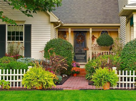 Front Door Landscaping Ideas Tips For Creating A Gorgeous Entryway Garden Landscaping Ideas And Hardscape Design Hgtv