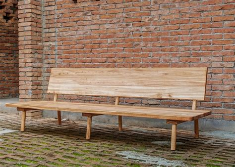 Farmhouse Furniture by Locally Crafted Farmhouse Furniture Provides Sustainable