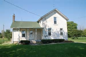 Buying An Old House by Houses I Didn T Buy The Old Farm House Diydiva