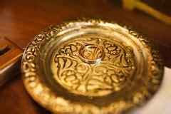 Schöne Eheringe by Zwei Silberne Ringe Lizenzfreie Stockfotografie Bild