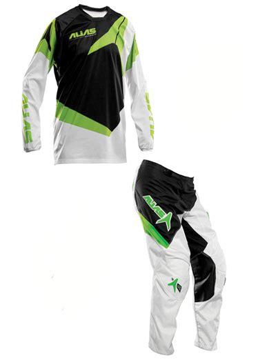 Jersey Trail Hardside jual jersey set alias hijau
