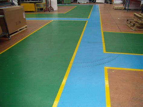 pavimento resinato pavimenti industriali in calcestruzzo e o rivestimento