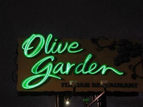 Directions To The Closest Olive Garden by Olive Garden Cobb Parkway Smyrna Ga Neon Signs On