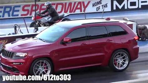 racing jeep grand cherokee 2014 jeep grand cherokee srt8 drag race youtube