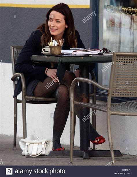 emily blunt diet emily blunt enjoys coffee and cigarettes with a friend