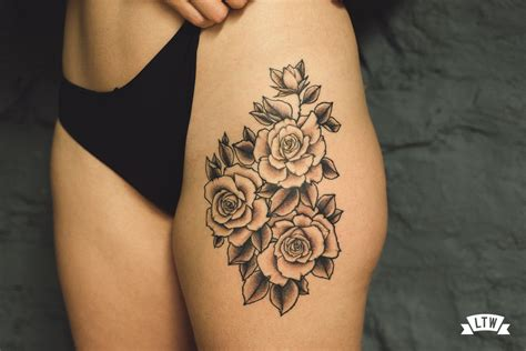 imagenes a blanco y negro significado rosas tatuadas en blanco y negro por andreu matallana